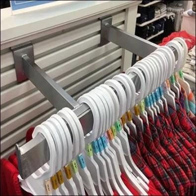 Double Arm Slatwall Clothes Rack For Endcap Feature