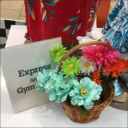 Express and Gymboree Co-op Mall Advertising