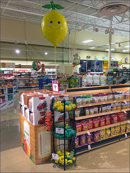 Weis Lemon Inflatable in Produce