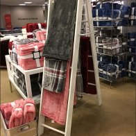 Plush Bath Towel Step Ladder Display