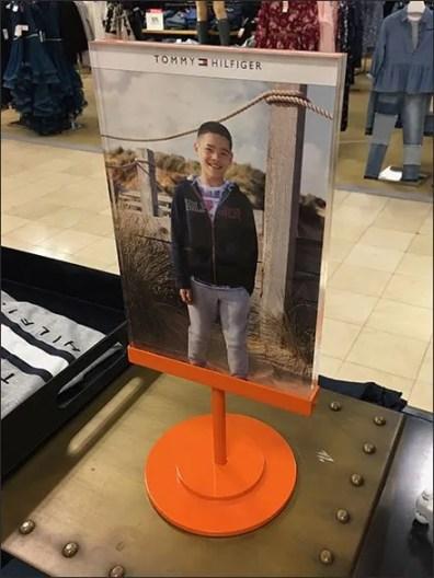 Tommy Hilfiger Table-Top Sign in Brilliant Orange