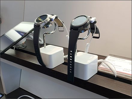 Smart Watch Display Stands At Verizon