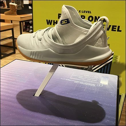 Curry Sneaker Under Armor Pedestal Display
