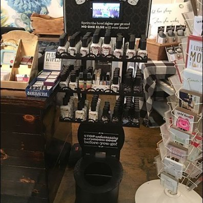 Poo-Pourri Spray Mahogany Toilet Display