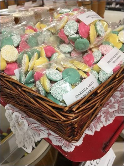 Bulk Candy Wicker Basket Pedestal Presentation