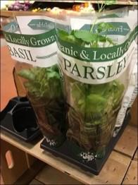 Parsley vs Basil Merchandising Tray
