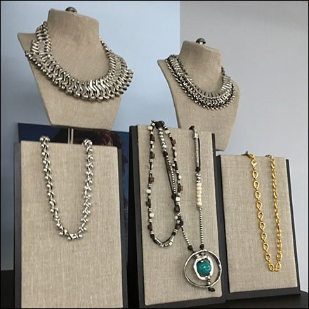 Uno de 50 Necklace Easel Displays