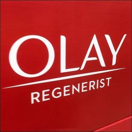 Olay Cosmetics Merchandising Displays - Olay Regenerist Twin-Pack Pallet Merchandising