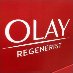 Olay Regenerist Twin-Pack Pallet Merchandising