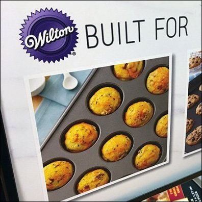 Wilton Baking Pan Wire Rack Display Feature2