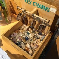 Key-Chain Plywood Bin T-Hook Display Main1