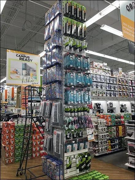 Structural-Column Slatwall Merchandising Strategy