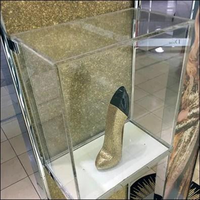 Good Girl High-Heel Museum Case Details