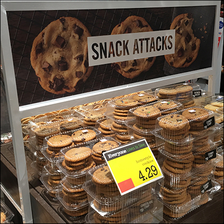 Market-32 Comprehensive Snack-Attack Display