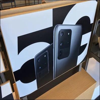 Samsung Dazzle-Paint Puzzle Display