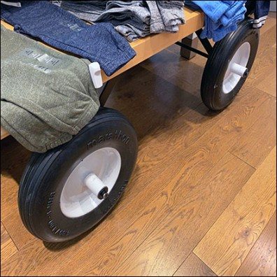 Kids Rubber-Tire Display Dolly
