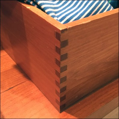 Dovetail Natural Wood Bulk-Bin Design