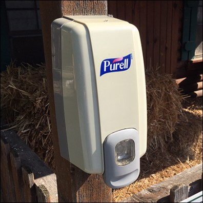 Lawn-And-Garden Sanitizer Station