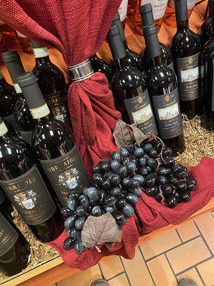 Fine-Wine Dark-Valiant Grape Propping