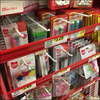 Icing Straight-Cut Display Hook Merchandising