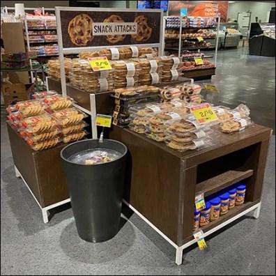 Market 32 Snack-Attack Island Display Main2