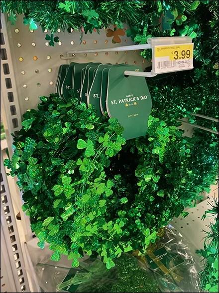 St. Patrick's Green-Tinsel Hook Merchandising