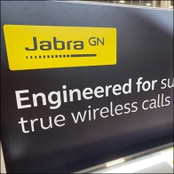 Jabra Wireless Calls Earbud Positioning