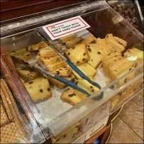 Gourmet-Food Contactless Baked Goods Bin
