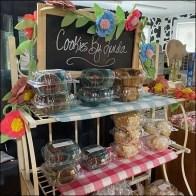 Cookies-By-Linda Ornate Metal Rack