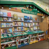 Barnes & Noble Branded Perimeter Display
