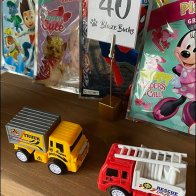 Toy-Truck Wood-Block Sign Clip