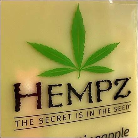 Hempz Herbal Body Moisturizer Massing Feature