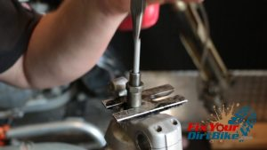 8 remove internal push rod