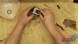 Assembly - Install Piston Seals