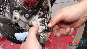 2009-2010 Honda CRF450r - Brakes - Remove Banjo Bolt
