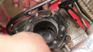 Top End Service - Part 1 - Cylinder Head Removal - Gasket