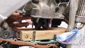 Installation - Slide Cylinder Onto Piston