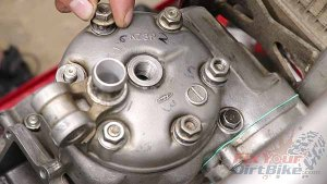1997 - 2001 Honda CR250 - Top End Service - Part 13 - Cylinder Head Installation - Install Mounting Nuts