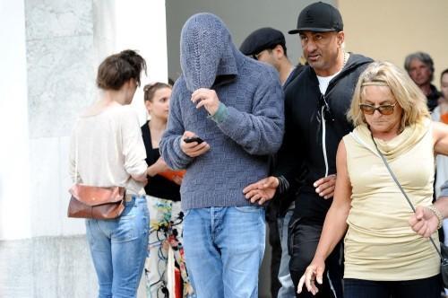 Leonardo DiCaprio and Paparazzi