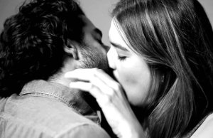 Watch 20 Strangers Kiss for the First Time