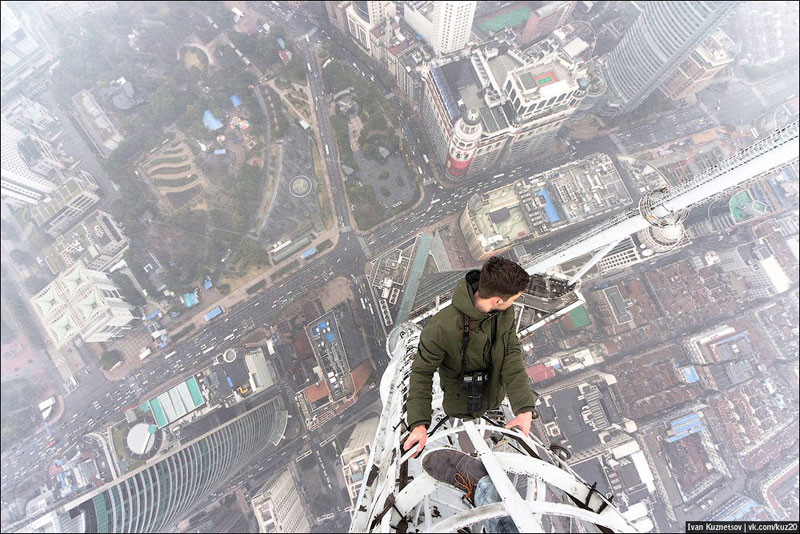 photos-that-look-straight-down-from-perilous-heights-by-ivan-kuznetsov-3