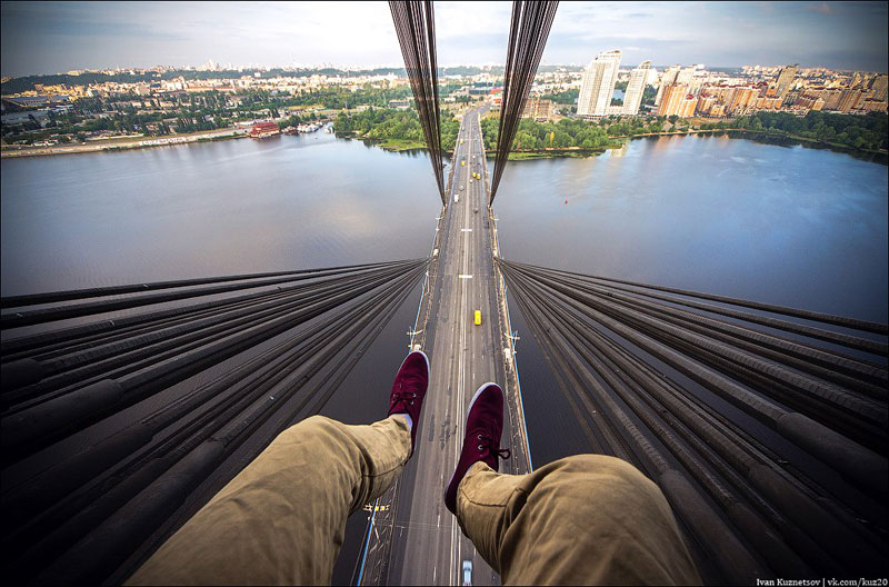 photos-that-look-straight-down-from-perilous-heights-by-ivan-kuznetsov-6
