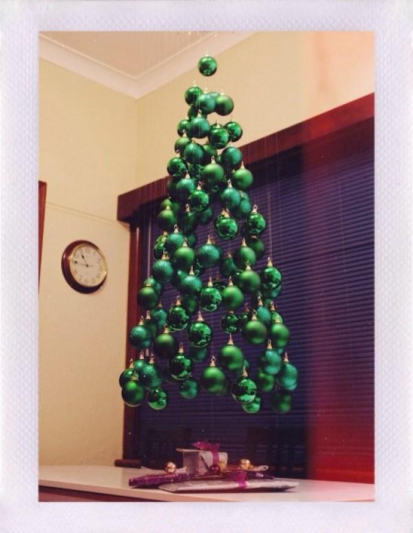 11 Creatively Alternative Christmas Trees This Season (6)