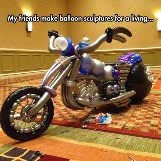 funny-balloon-motorcycle-sculpture-1