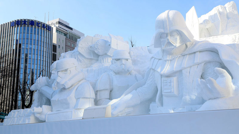 Japanese Army Builds 50 ft Vader And Stormtroopers Out of Snow