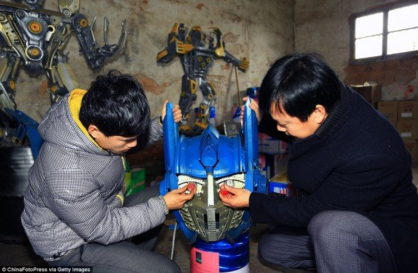Chinese Farmers Are Using Old Car Parts To Make These Huge Transformer Robots