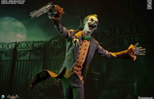 BATMAN: ARKHAM ASYLUM — Joker Statues From Sideshow