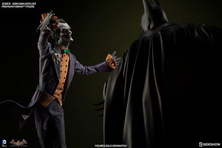 batman-arkham-asylum-joker-and-batman-statues-from-sideshow