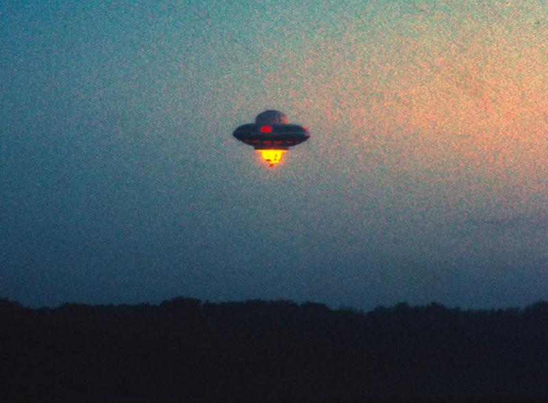 richard-branson-ufo-april-fools-1989-london-2