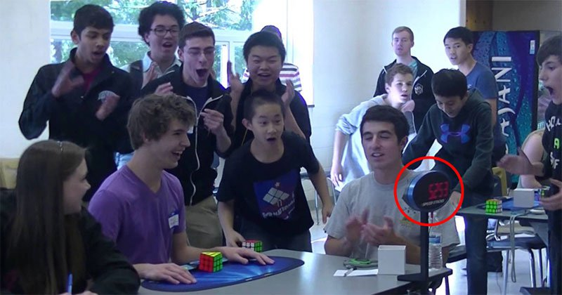 Teen Solves Rubik's Cube in World Record Breaking 5.25 Seconds